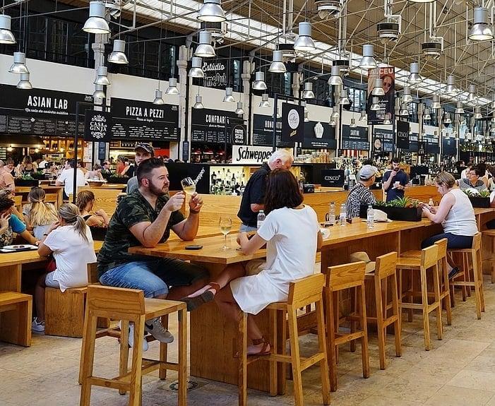 Projektowanie Restauracji liczba stolików