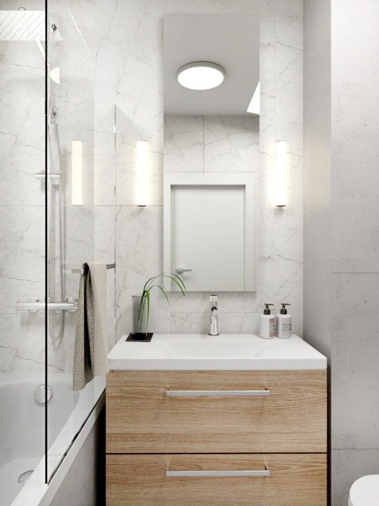Mała łazienka w bieli marmurze z drewnem