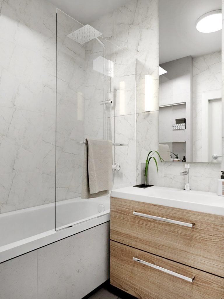Mała łazienka z marmurowymi płytkami