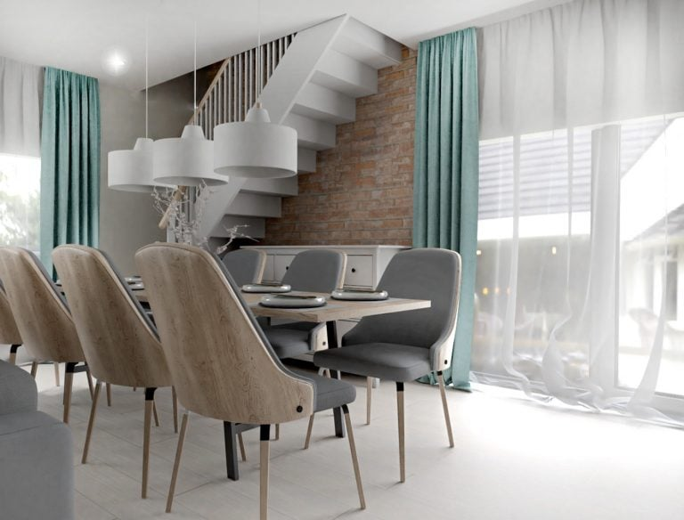 Stol przy schodach